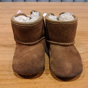 Toddler size 2/3 Ugg Boots brown with pink bows